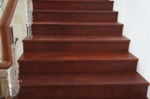 tangga-kayu-solid
