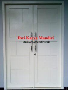 pintu panil solid