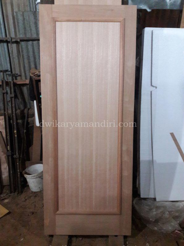 pintu panil teakwood