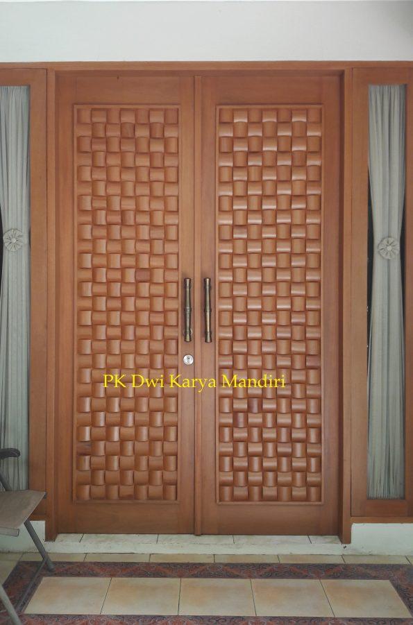pintu panel anyaman